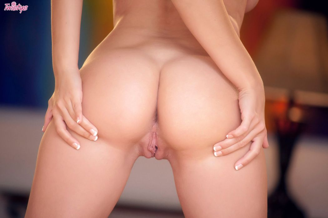 Natalia Starr – She's Got It All, And She Can Get It All – Part I