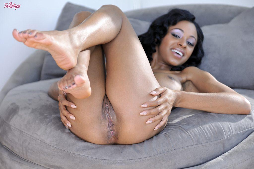 Anya Ivy 4
