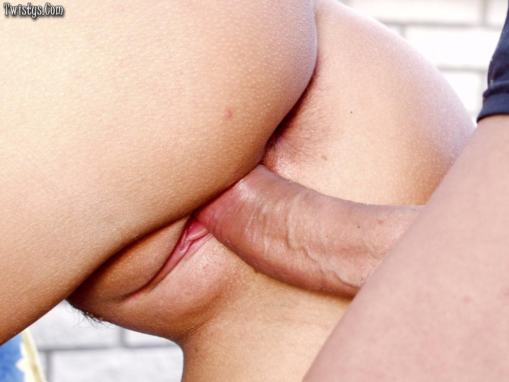 Cute Blonde Tiffany Rose Fucking Handsome Guy Outdoor 8