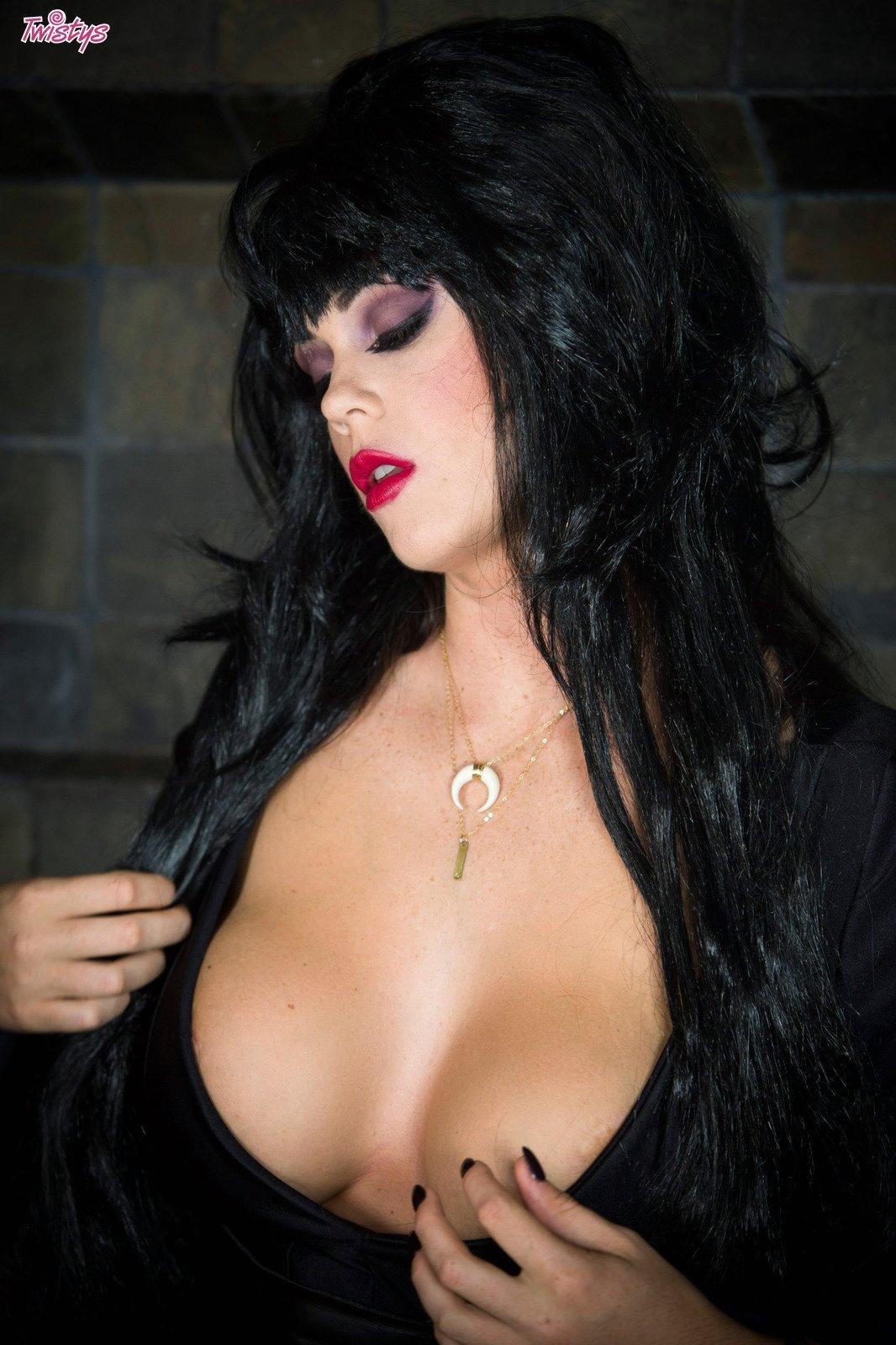 It's Halloween – Halloween Special Alison Tyler 1
