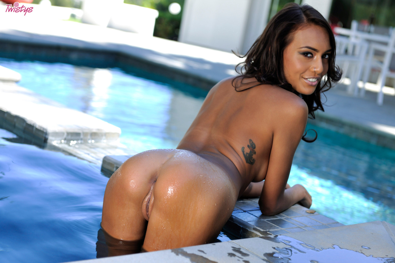 Janice Griffith – Super Slim Part 1 Of 2 7