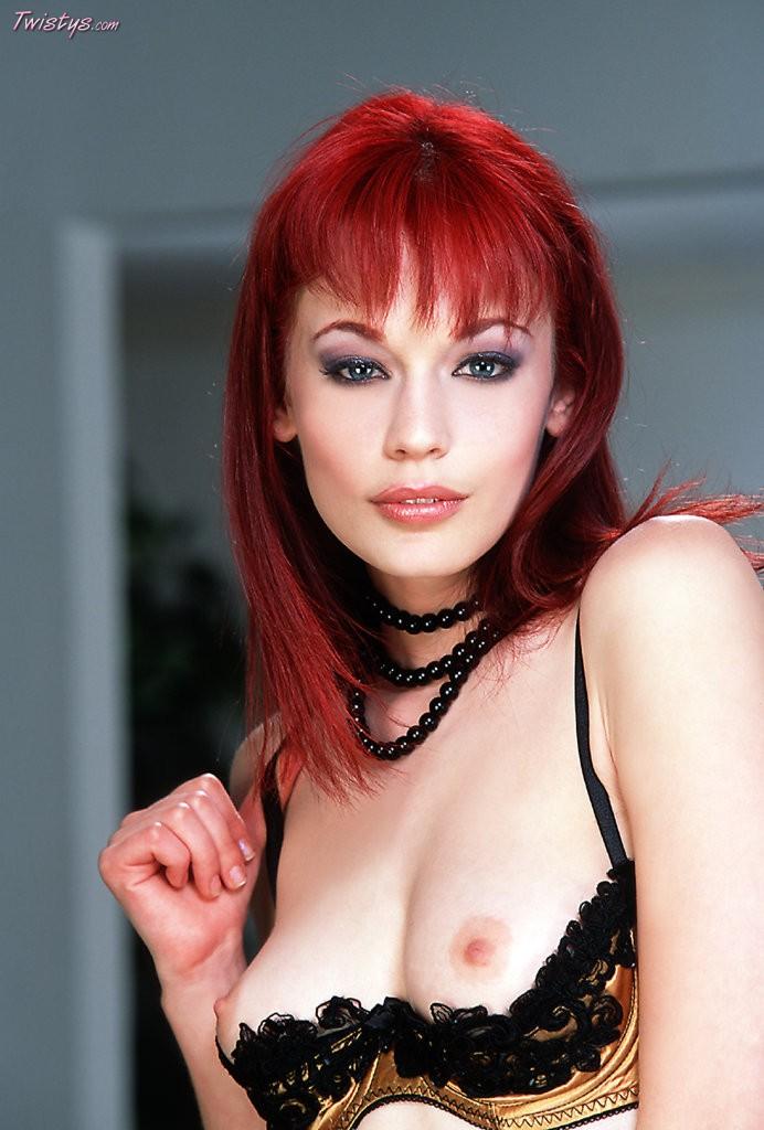 Justine Joli 2