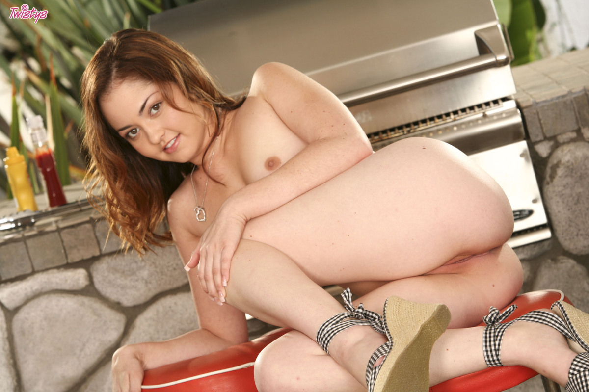 Barbecue Babe – Jewel Styles 8