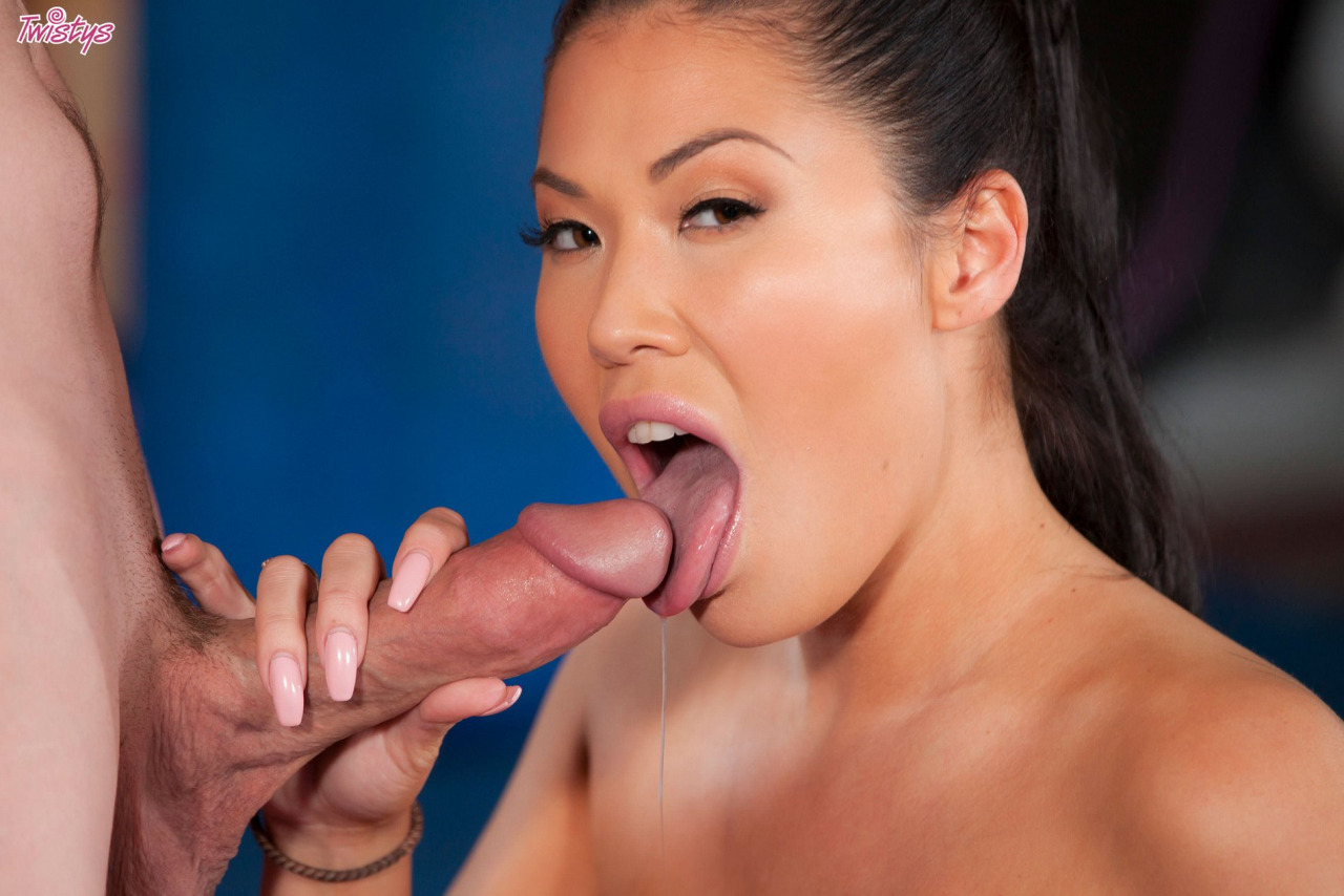 Sporty Girl London Keyes Gets Banged Hard 3