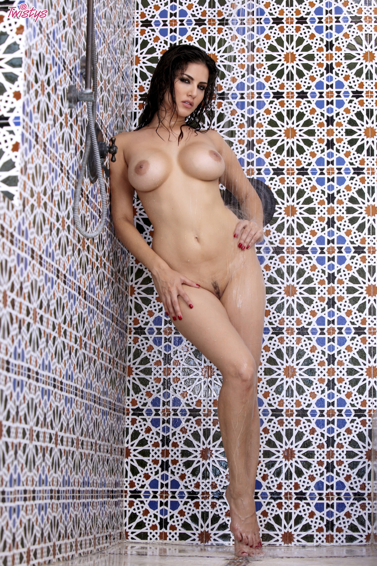 Sunny Leone Getting Wet N Wild In The Shower 3