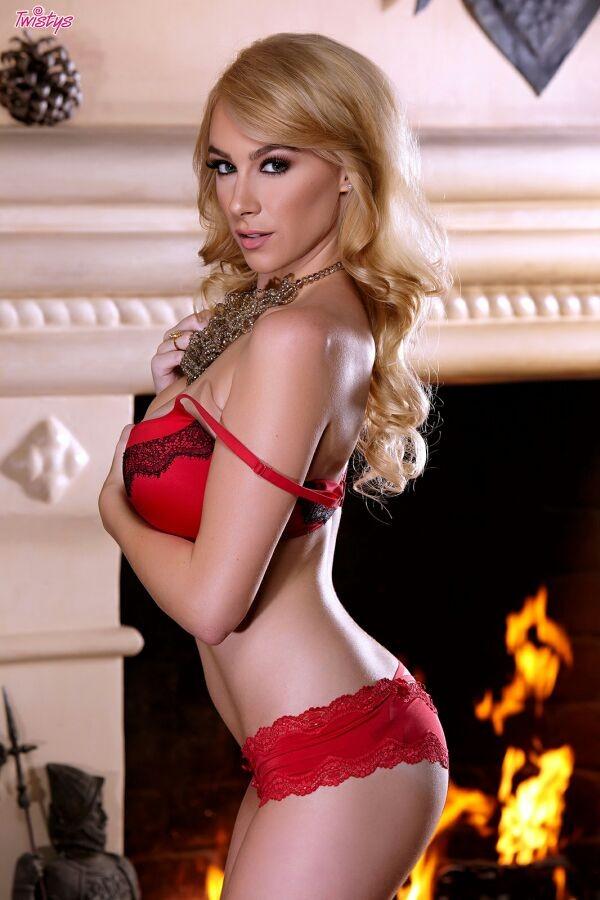 Penelope Lynn 3