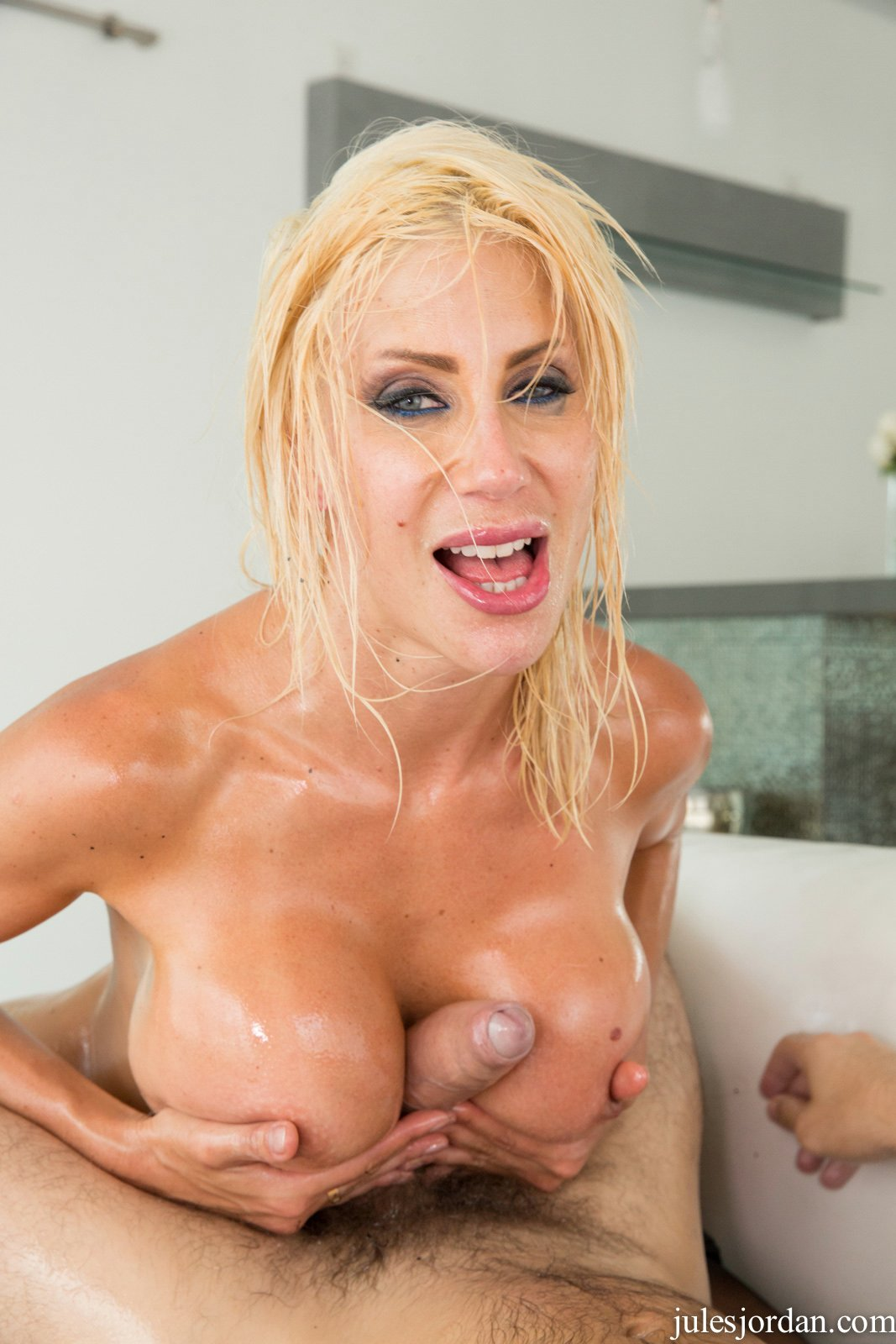 Puma Swede Covered With Oil Gets Fucked Anally By Manuel Ferrara 5
