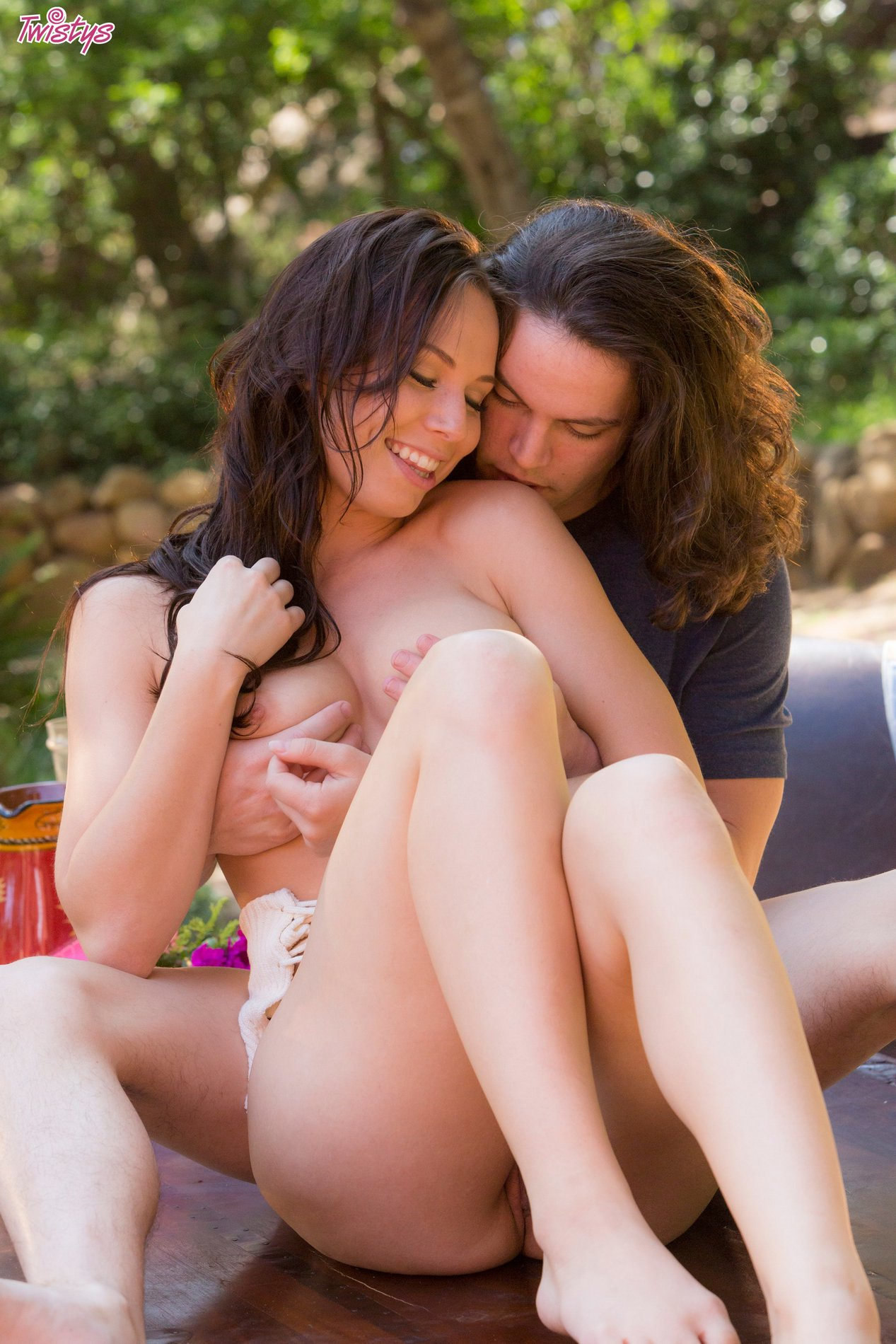 Hot Beauty Aidra Fox Making Love With Her Boyfriend Outdoor 5