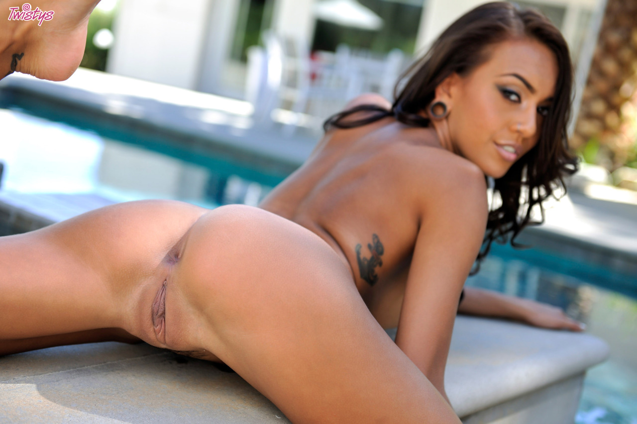 Janice Griffith – Super Slim Part 2 Of 2 9