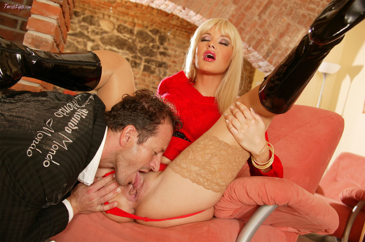 Natalli Di Angelo In Stockings And High Black Boots Gets Anal Fucked 3