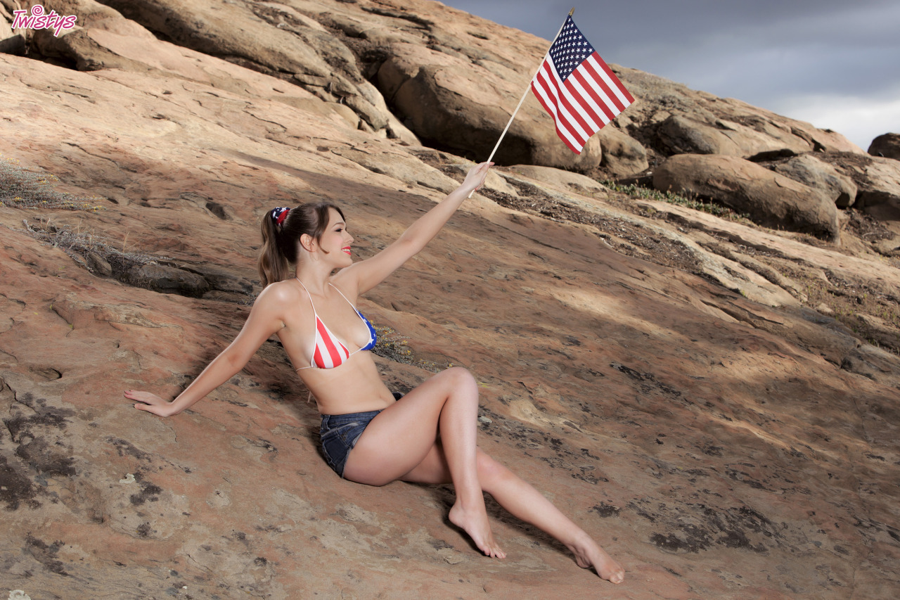 Alaina Fox, Wishing You A Very Happy 4th Of July 3