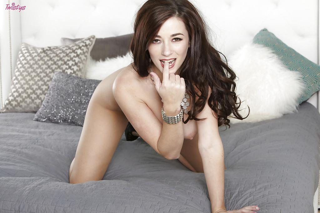 Taylor Vixen Twistys – Nude 9