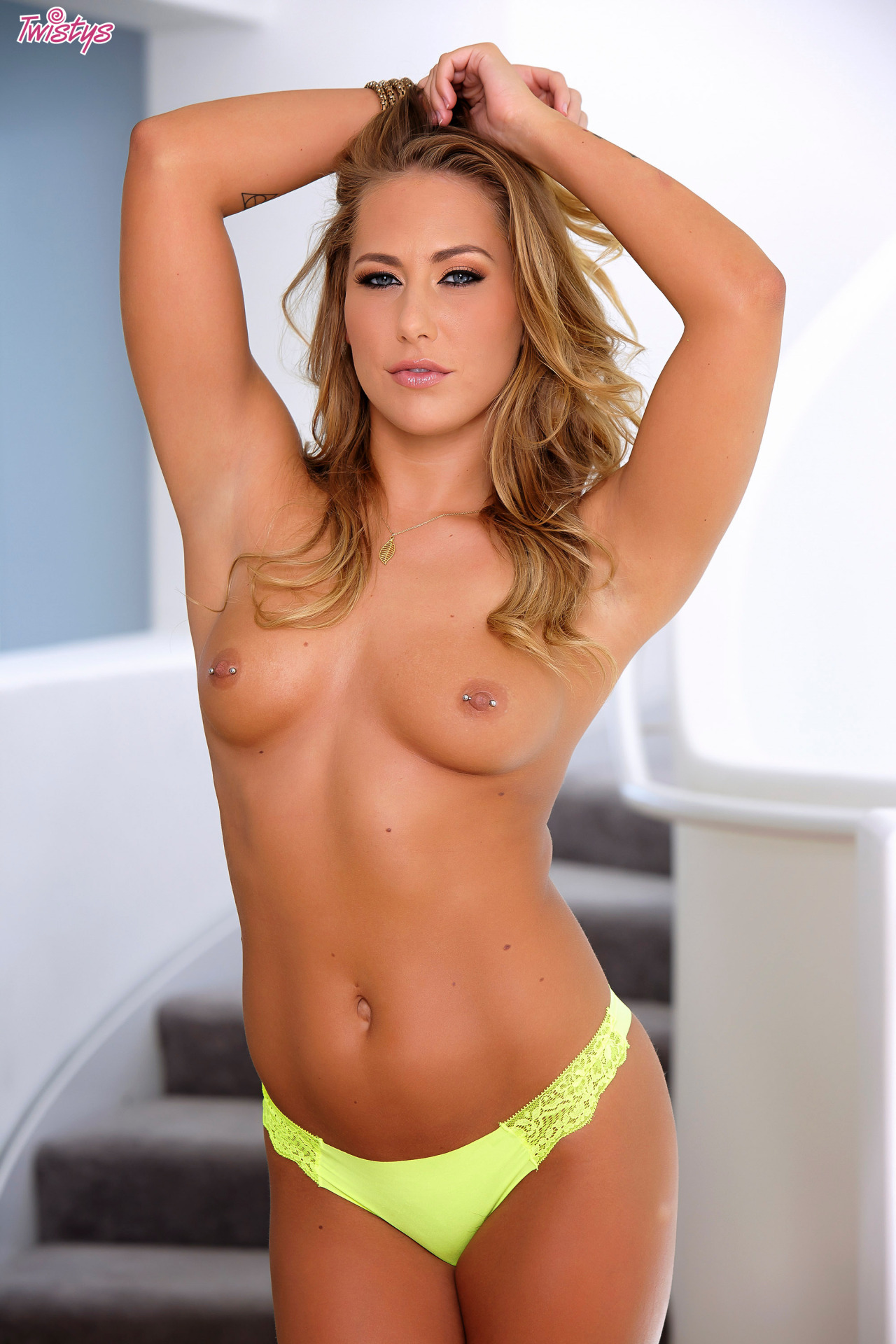New Set Of Carter Cruise Up On Twistys 4