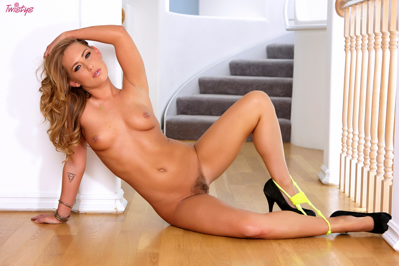 New Set Of Carter Cruise Up On Twistys 5