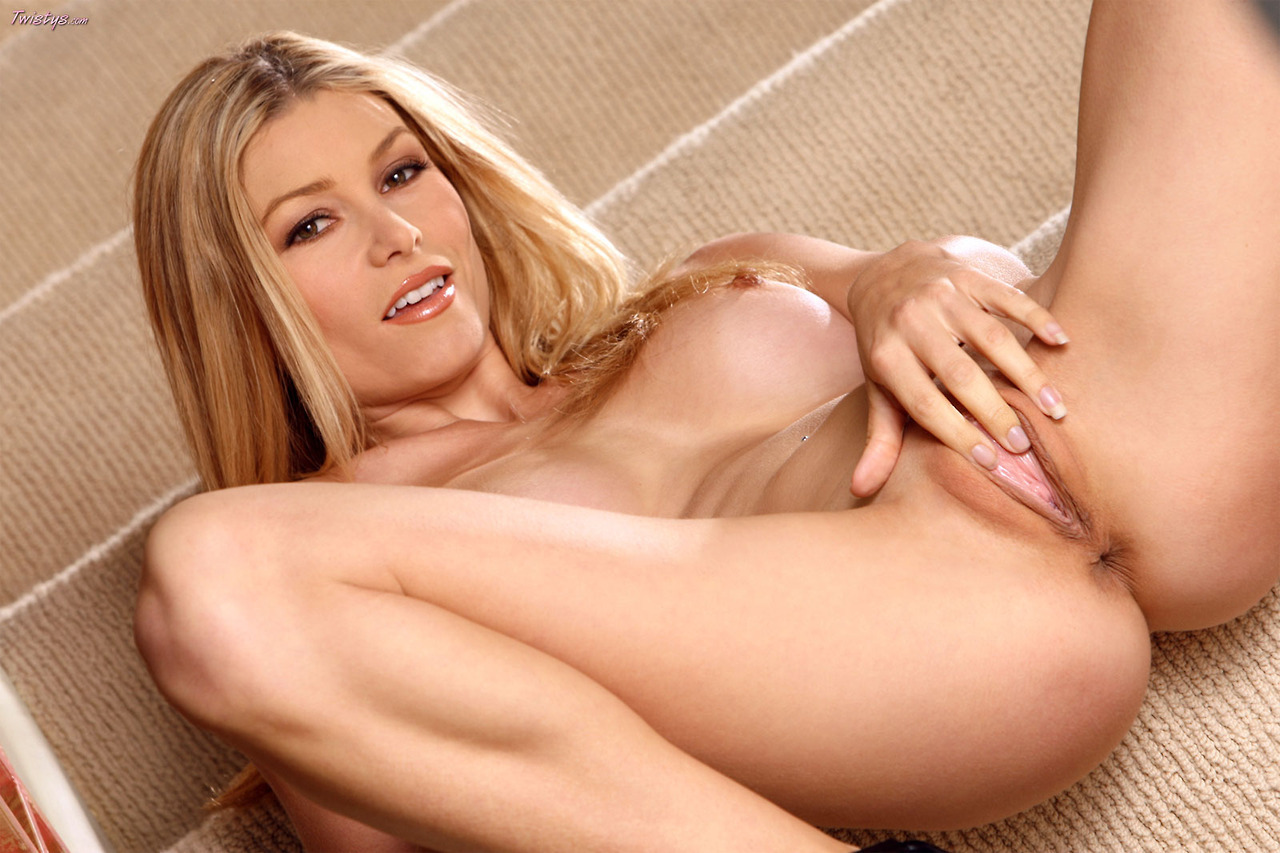 The Lovely Heather Vandeven 8
