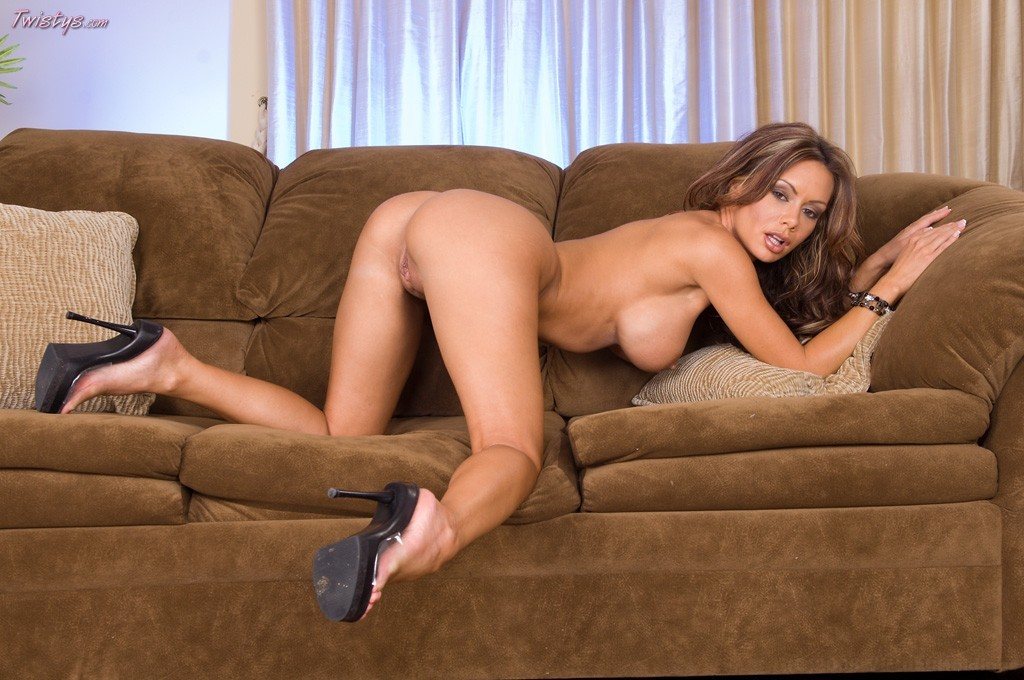 Butt Fight #15 Nicole Aniston Vs Crissy Moran Round 2 Who's Butt Is A Winner 2