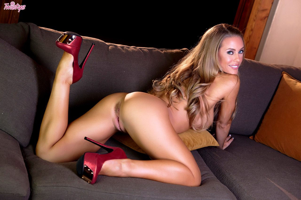 Butt Fight #14 Nicole Aniston Vs Crissy Moran Who's The Winner 8