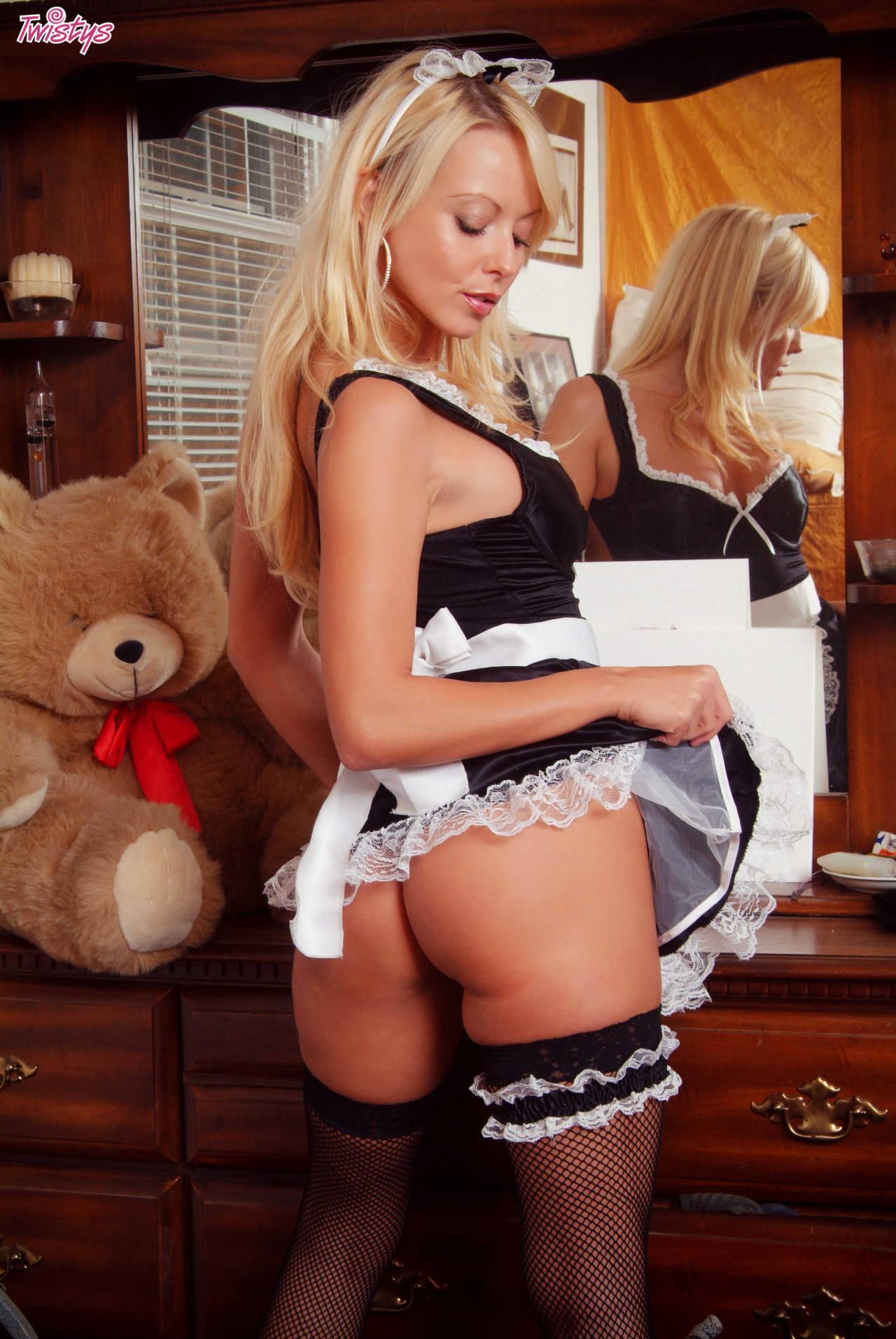 Jana Cova – My Kind Of Maid 2