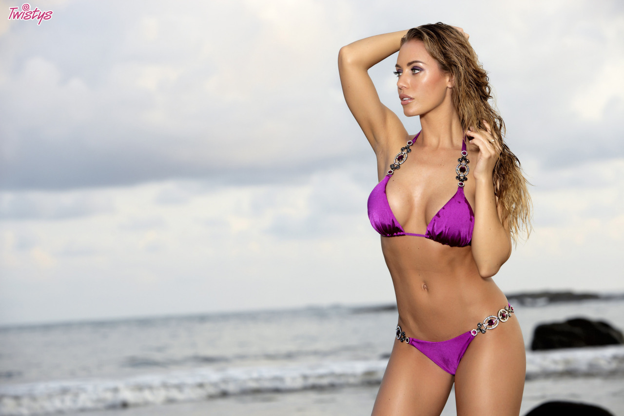 Twistysgirls – Nicole Aniston Beached Babe – – Shot By Me In Costa Rica 6