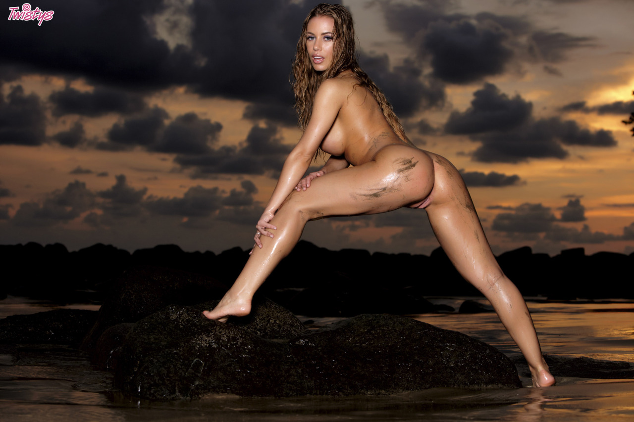 Twistysgirls – Nicole Aniston Beached Babe – – Shot By Me In Costa Rica 5