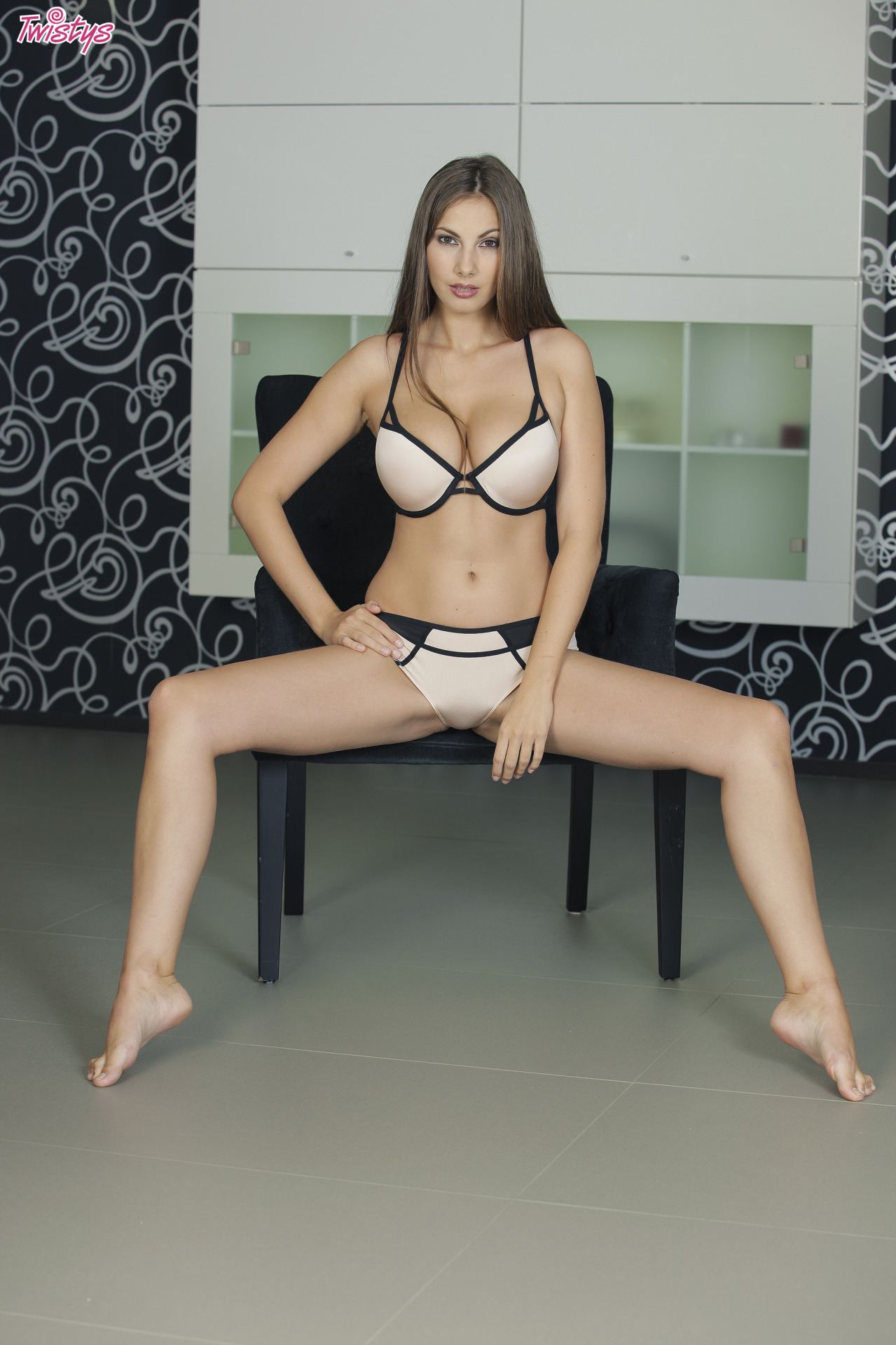 Connie Carter / Mary Grey / Conny Lior / Roselyne A / Josephine – Yet More Busty Loveliness Part 1 Of 2 4