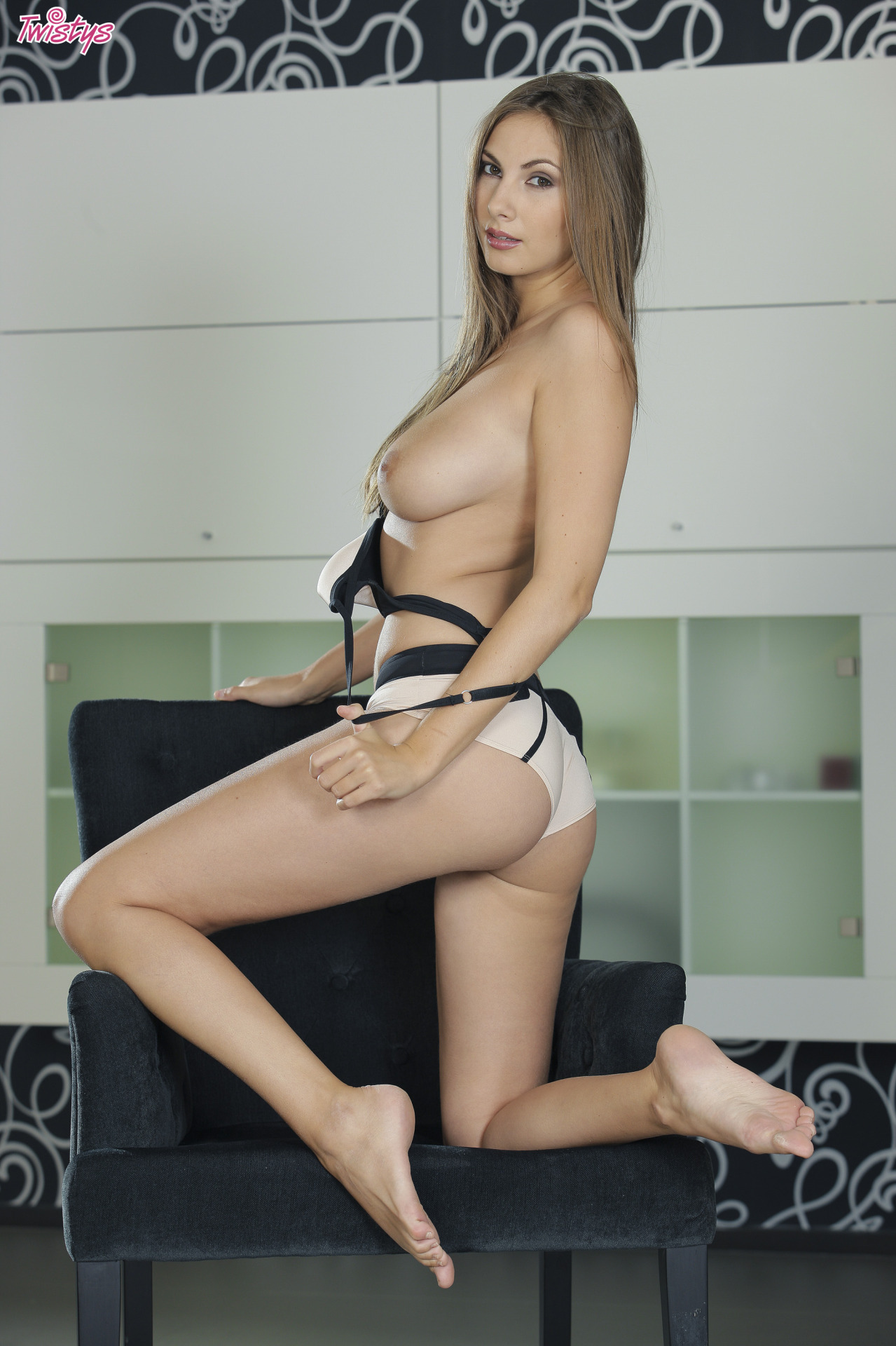 Connie Carter / Mary Grey / Conny Lior / Roselyne A / Josephine – Yet More Busty Loveliness Part 1 Of 2 6