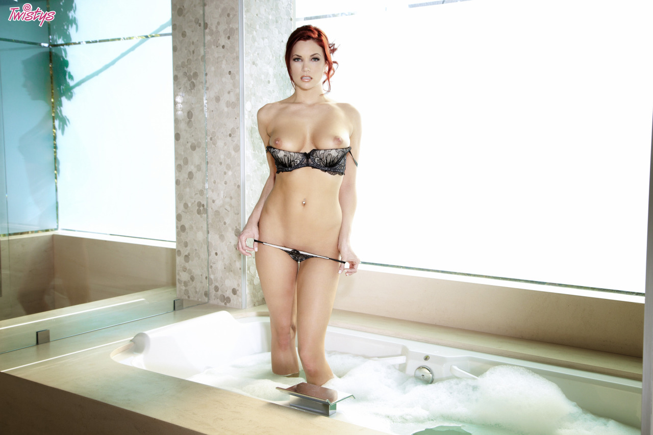 Jayden Cole / Jayden C / Ashley Summer – T 's Quite A Few Models Doing Bath Or Shower Scenes Just Now Fantasti… 3