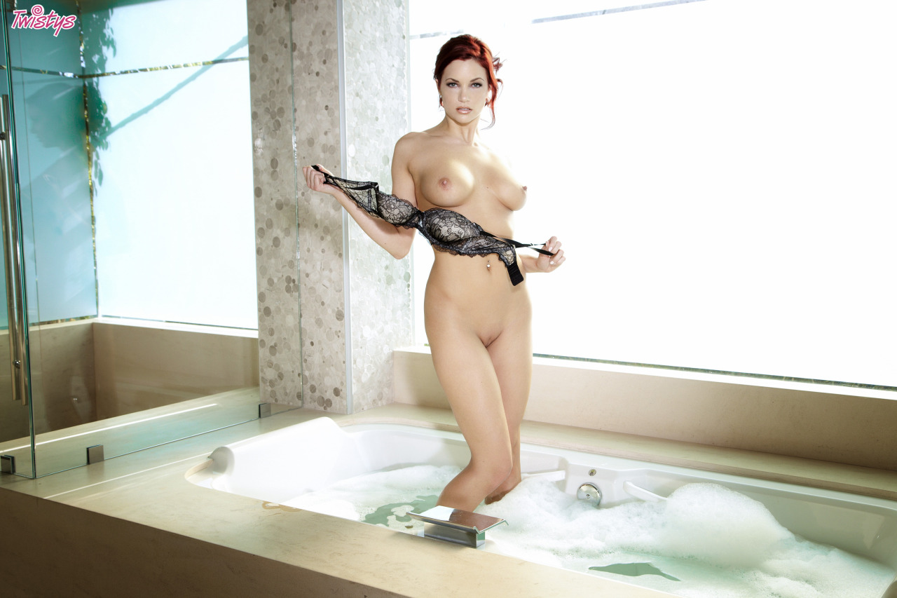 Jayden Cole / Jayden C / Ashley Summer – T 's Quite A Few Models Doing Bath Or Shower Scenes Just Now Fantasti… 5